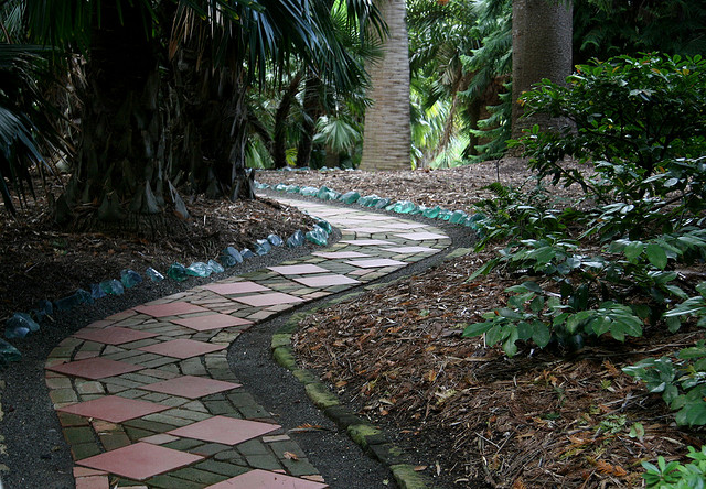 Path to Aloe Garden_Lotusland_california